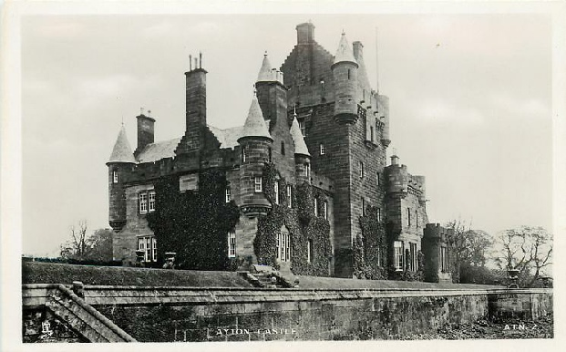 Postcard of Ayton castle